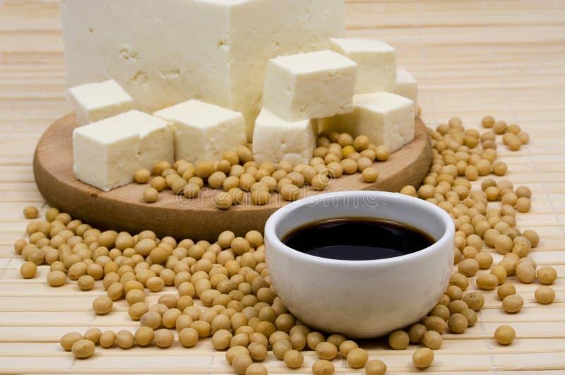Sauce de soja et fromage de tofu image stock