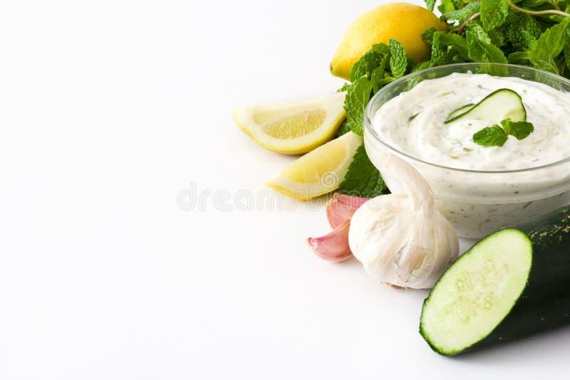 Sauce et ingrédients à Tzatziki photos stock