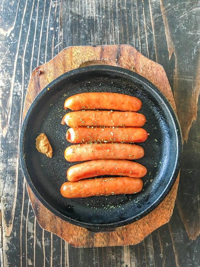Saucisse chaude de gril photographie stock libre de droits