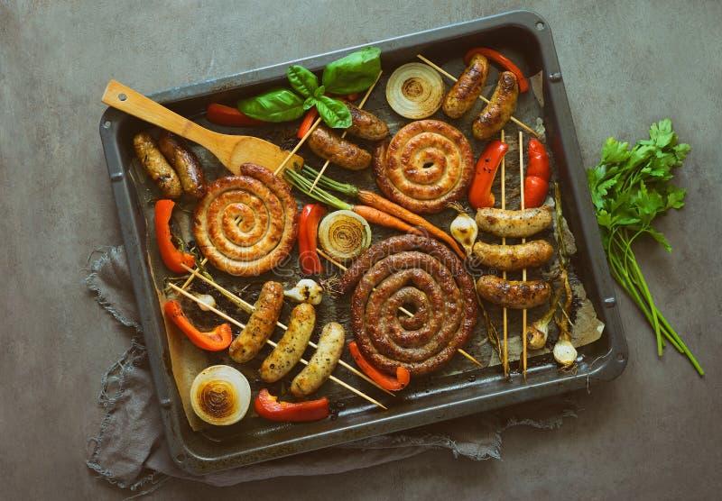 Saucisses épicées rôties de boeuf et de dinde images stock