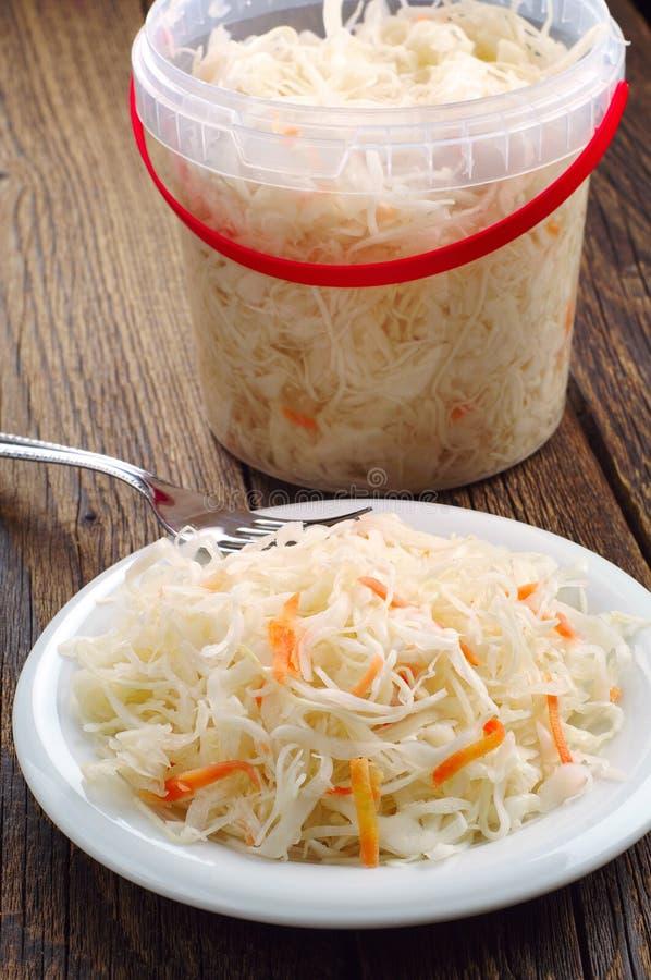 Sauerkraut με το καρότο στοκ φωτογραφία