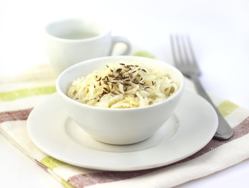 Sauerkraut с семенами тмина стоковая фотография rf