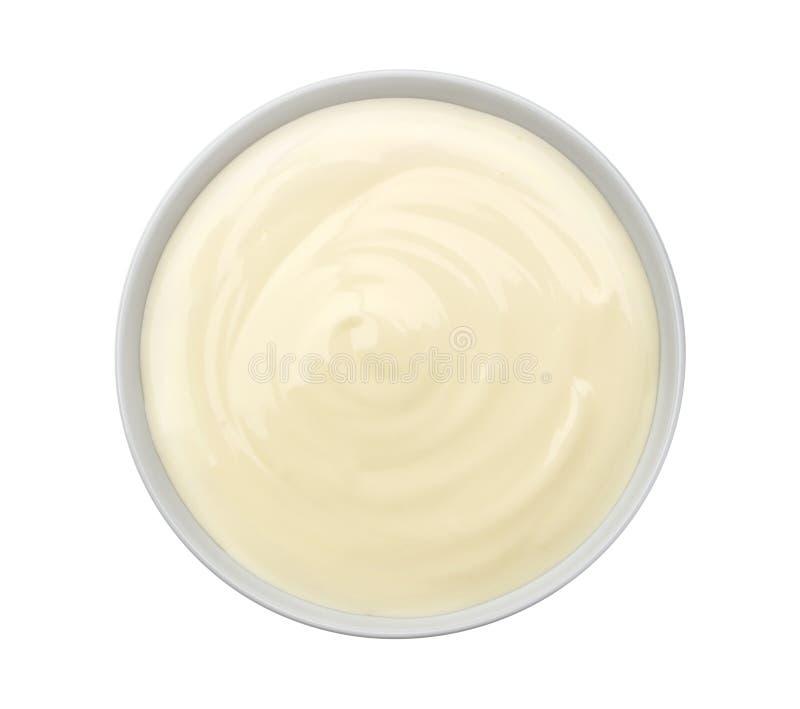 Sauerrahm lokalisiert auf weißem Hintergrund Beschneidungspfad eingeschlossen stockbild