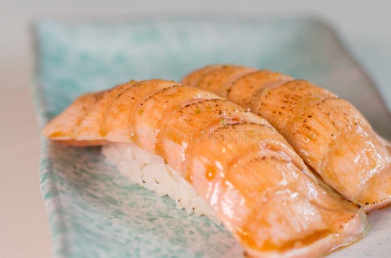 Saumons de sushi photos stock