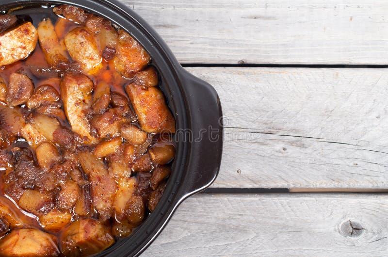 Saumons de Vietnamien et porc caramélisés et fermentés photos stock