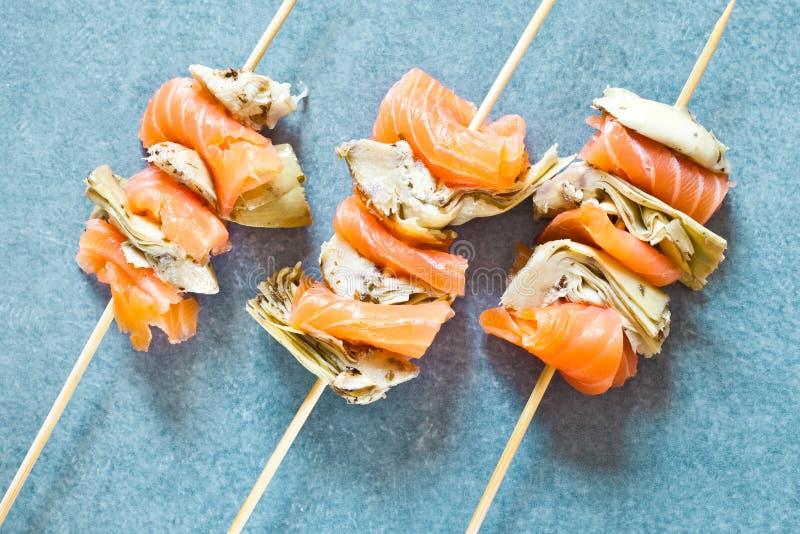 Download Saumons Fumés Et Artichaut Grillé Photo stock - Image du viande, poissons: 45357280