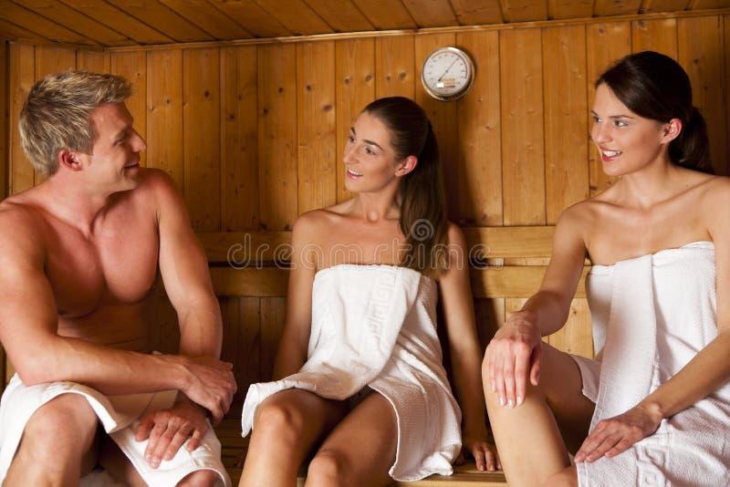 sauna 3 людей стоковая фотография