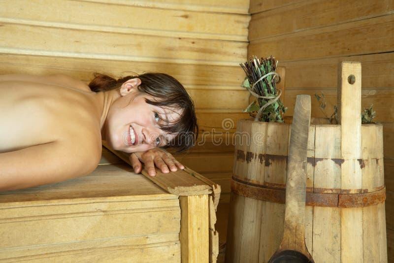 sauna szczęśliwa kobieta fotografia stock