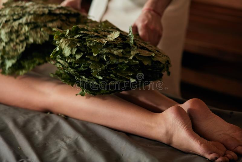 Sauna, terapia, relajación, y concepto de la salud fotos de archivo libres de regalías