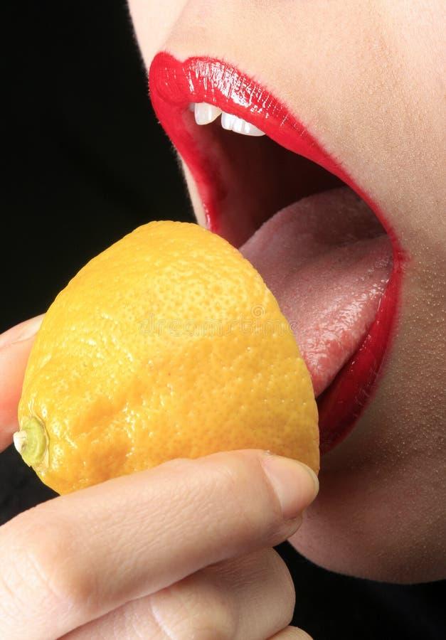 Saure Zitrone lizenzfreie stockbilder