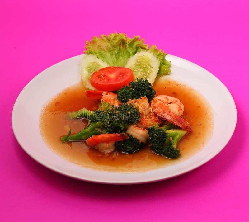 Sauté de broccolli de crevette images libres de droits