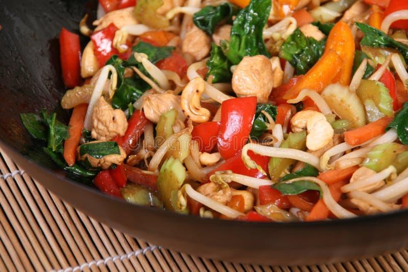 Sauté de légume et de poulet photo stock