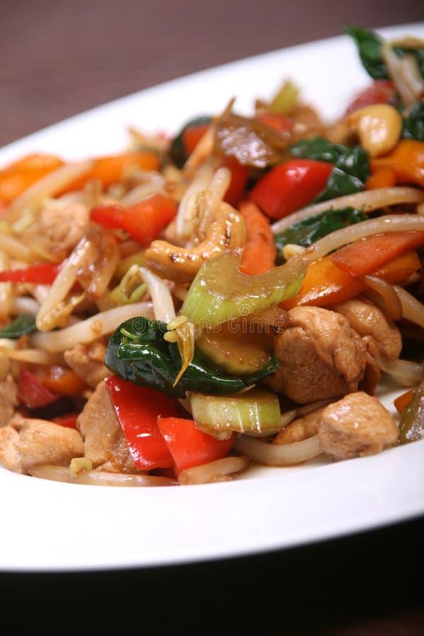Sauté de légume et de poulet images stock
