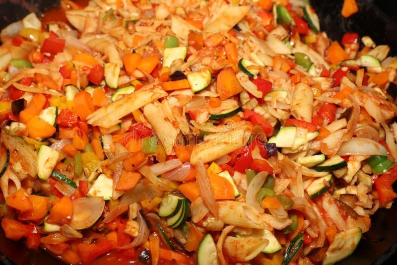 Sauté végétarien de wok photo libre de droits