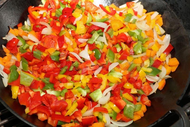 Sauté végétarien de wok photos stock