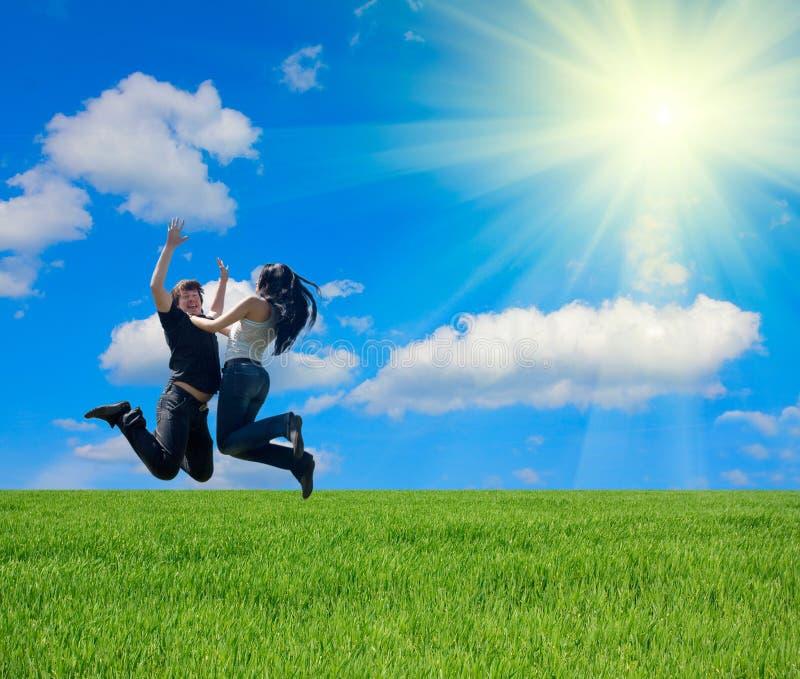 Saut de couples images libres de droits