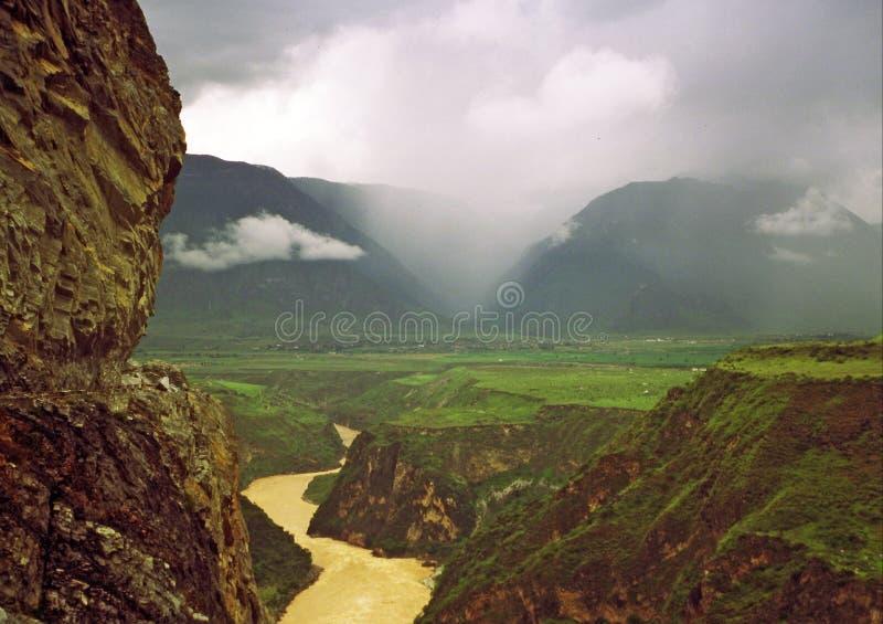 Saut de la gorge de tigre, Yunnan, porcelaine image libre de droits