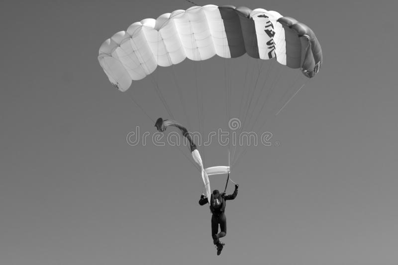 Saut de parachute photo stock