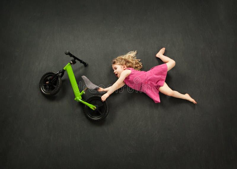 Saut de vélo images libres de droits
