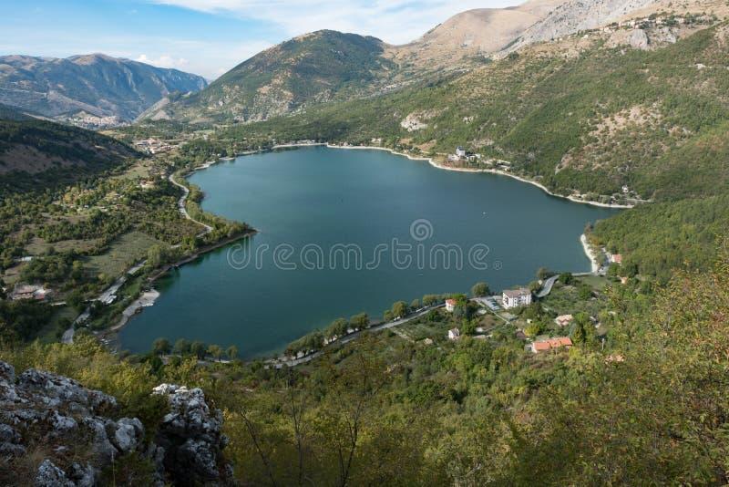 Sauvage, intact, de la beauté incalculable, lac Scanno photos libres de droits