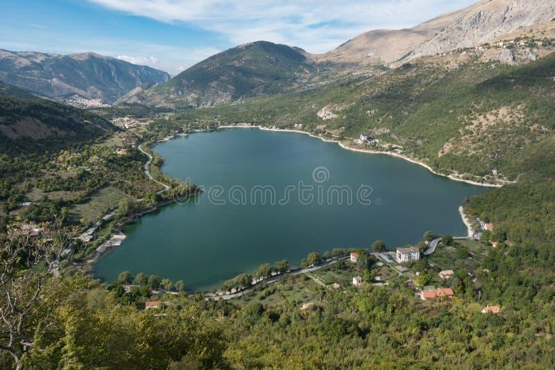 Sauvage, intact, de la beauté incalculable, lac Scanno photo stock