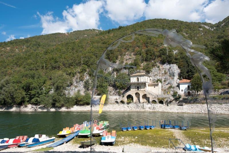 Sauvage, intact, de la beauté incalculable, lac Scanno image stock