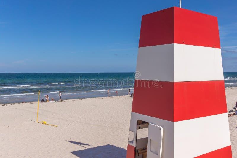 Sauvez la tour sur la plage pour les maître nageurs image libre de droits