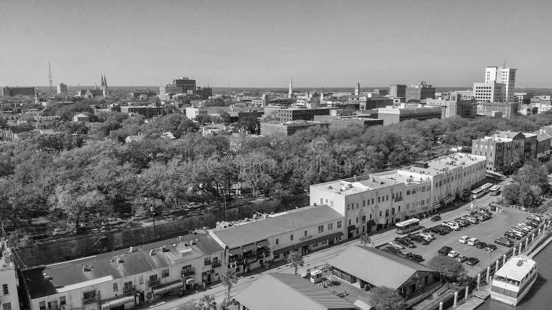 SAVANNAH GUMMIN - APRIL 3, 2018: Flyg- stadssikt Savannahen är en fa royaltyfria foton