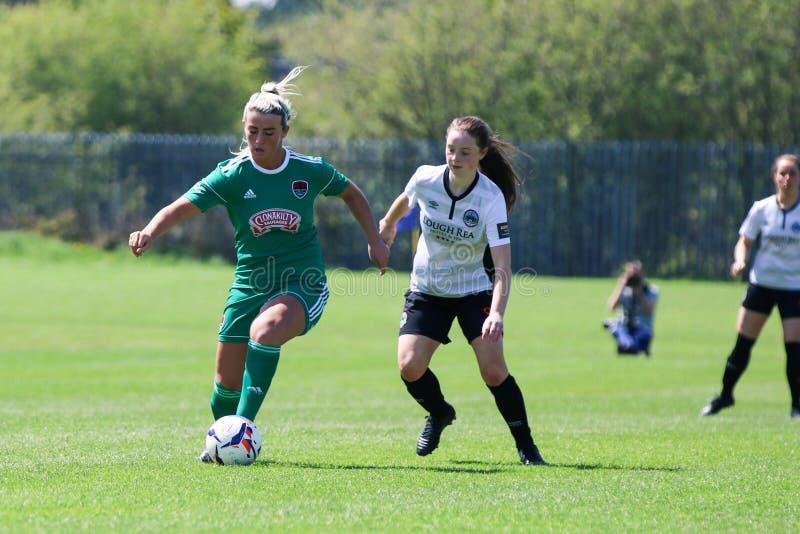 Savannah McCarthy p? kvinnornas leken f?r nationella liga: Cork City FC vs Galway WFC arkivfoto