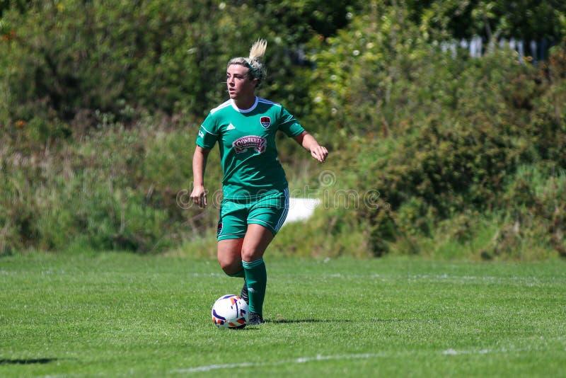 Savannah McCarthy p? kvinnornas leken f?r nationella liga: Cork City FC vs Galway WFC royaltyfri foto