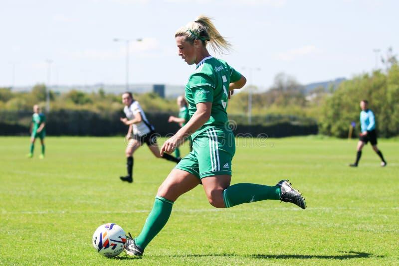 Savannah McCarthy p? kvinnornas leken f?r nationella liga: Cork City FC vs Galway WFC royaltyfri bild