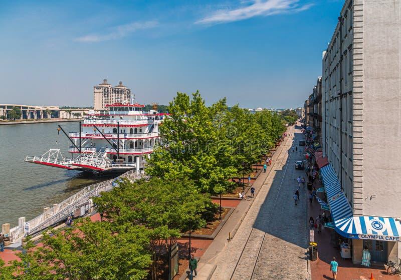Savannah River y calle del río imagen de archivo