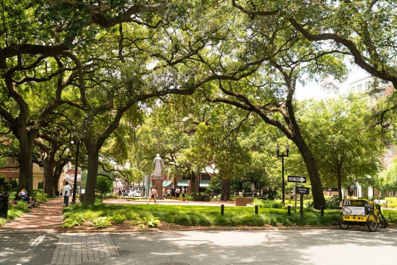Savanne, Georgië/Verenigde Staten - Juni 25, 2018: Reynolds Square is één van kan vierkanten in het district van de binnenstad royalty-vrije stock afbeeldingen