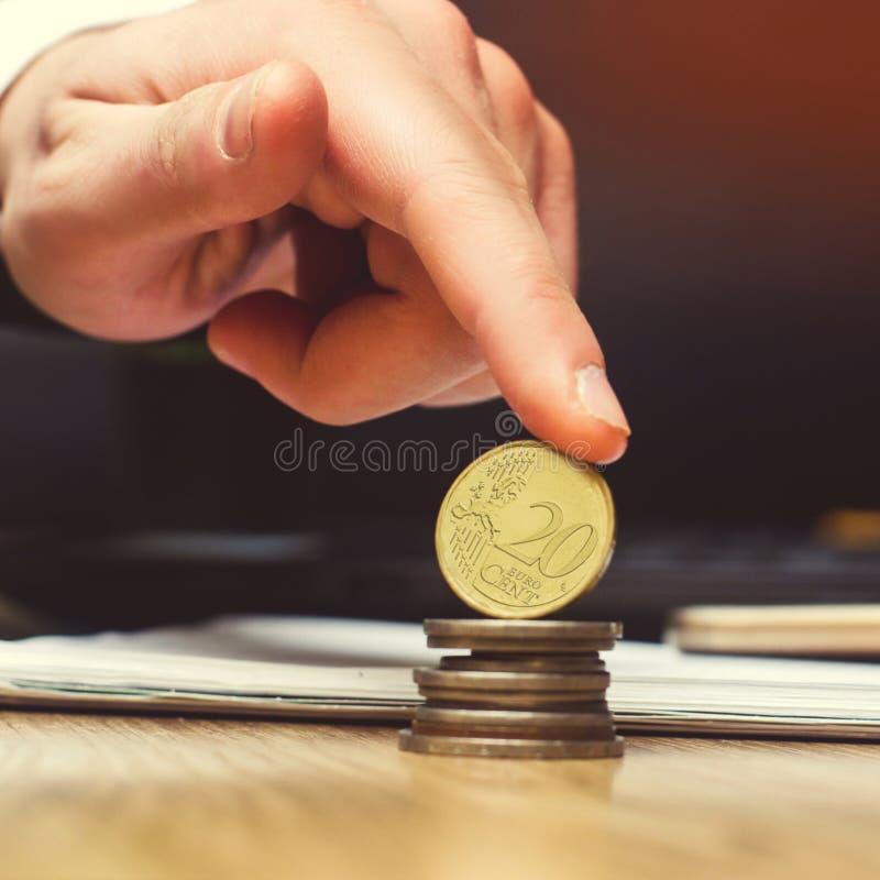 Save pieniądze i inwestyci pojęcie menniczy euro fotografia stock