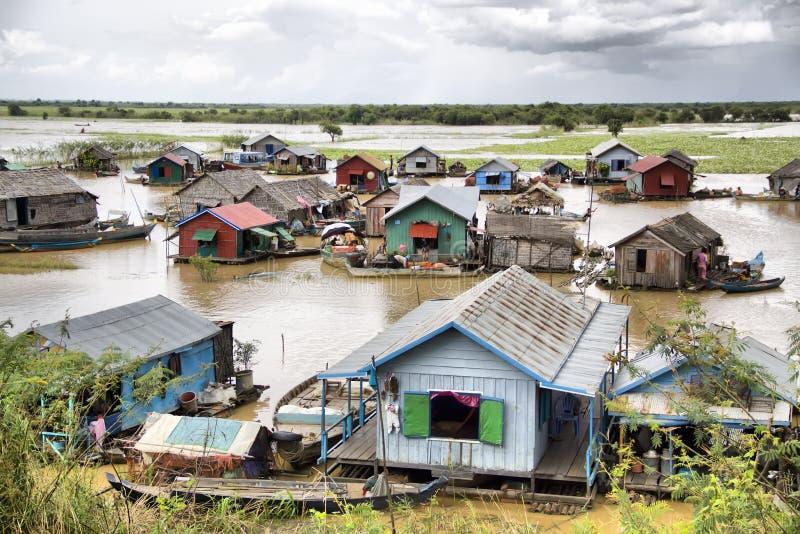 Savia de Tonle, aldea flotante foto de archivo