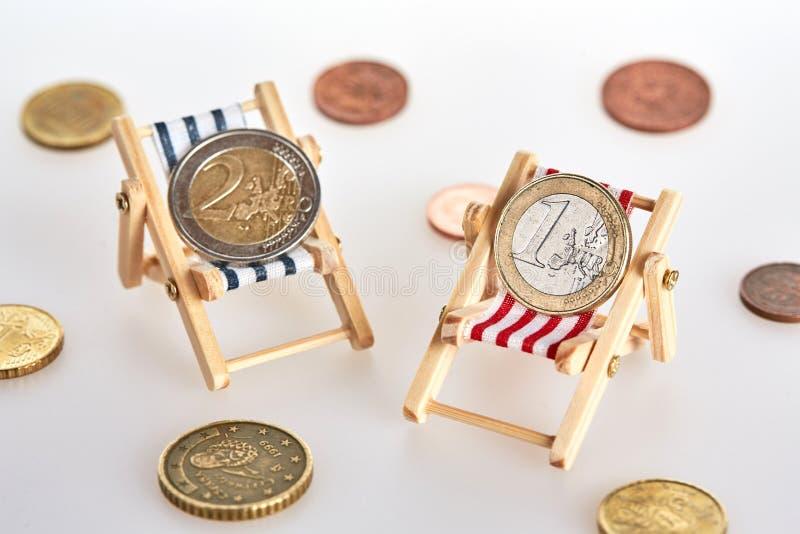 Savings dla emerytura na deckchairs zdjęcie stock