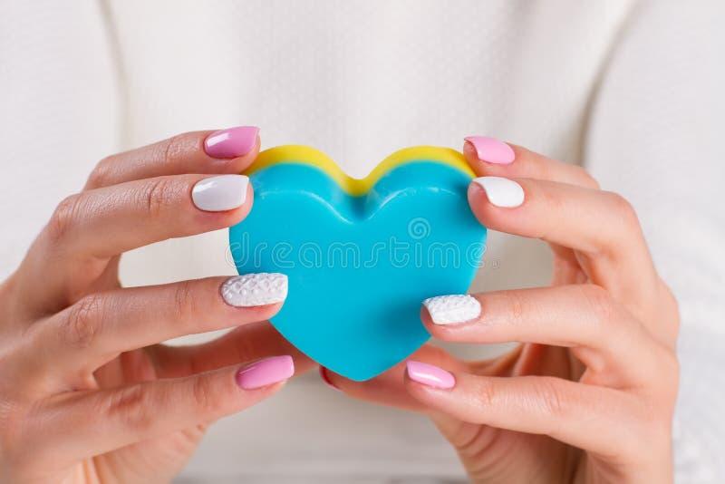 Savon cosmétique pour des mains images stock