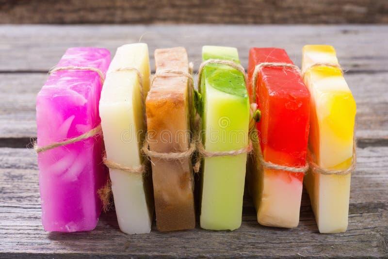 Savon fait main de fruit coloré images libres de droits