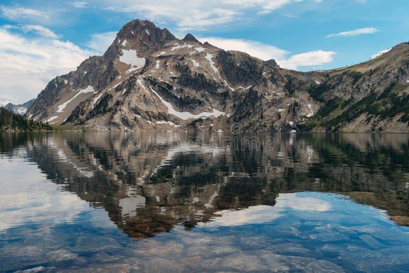 Sawtooth sjö, Idaho royaltyfri bild