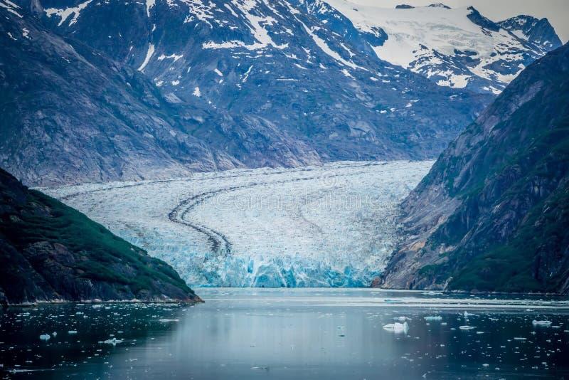Sawyer Glacier på Tracy Arm Fjord i den alaska stekpannehandtaget arkivbilder