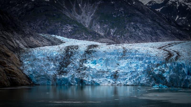 Sawyer Glacier på Tracy Arm Fjord i den alaska stekpannehandtaget royaltyfria foton