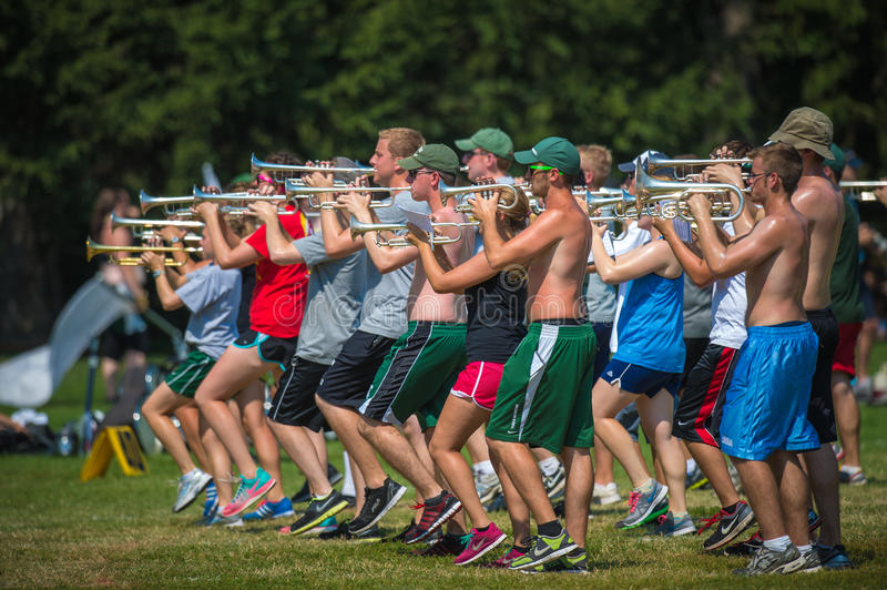 Saxofonövning royaltyfria bilder