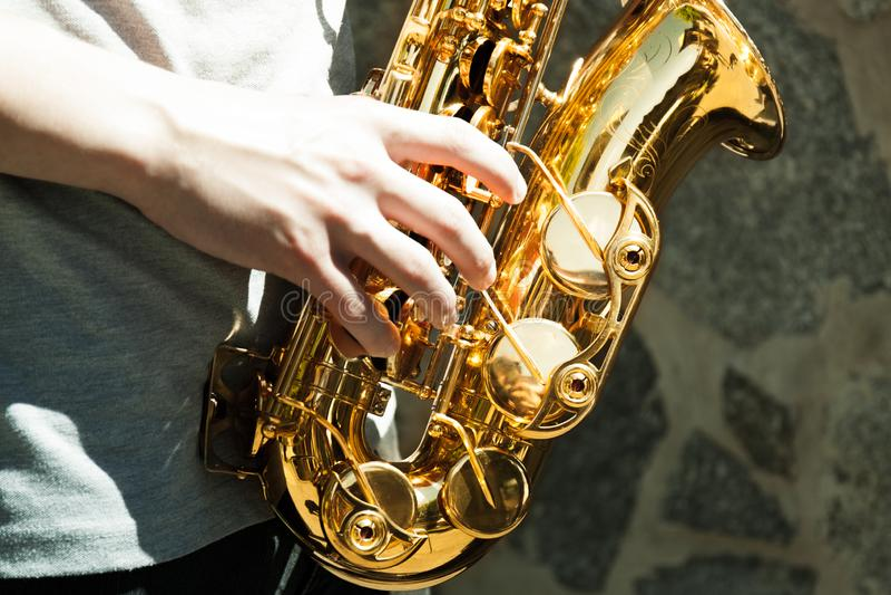 Saxofonist för saxofonspelare arkivbilder