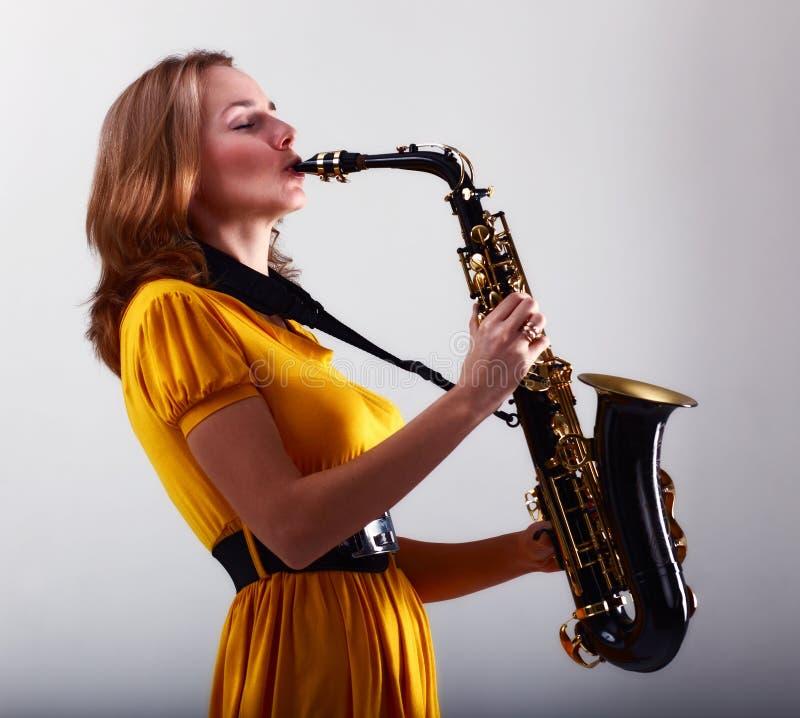 Saxofonista imagenes de archivo