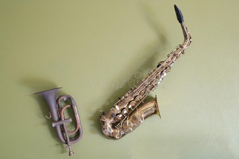Saxofoon en trompet royalty-vrije stock foto's