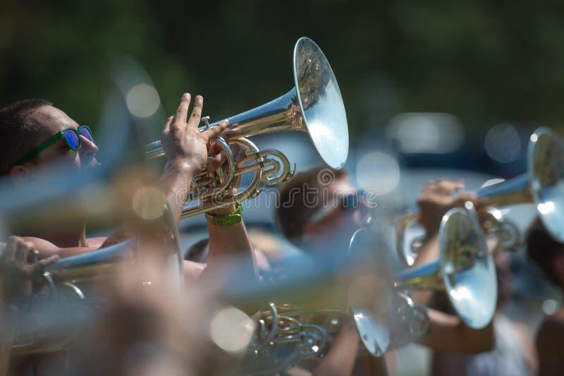 Saxofoonpraktijk stock foto