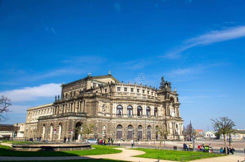 Saxon государственная опера Semperoper, Дрезден, Германия стоковое изображение