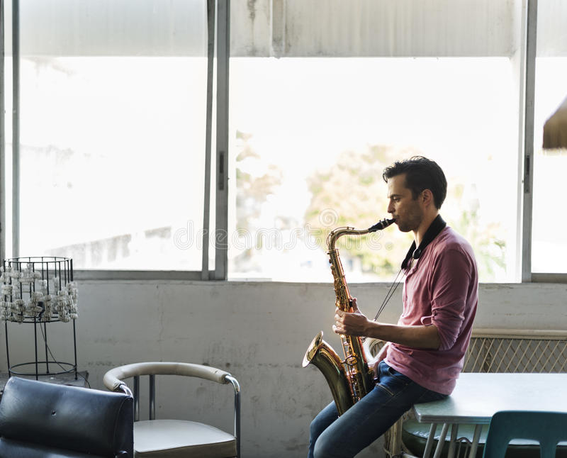 Saxophon-Symphonie-Musiker Jazz Instrument Concept lizenzfreies stockfoto