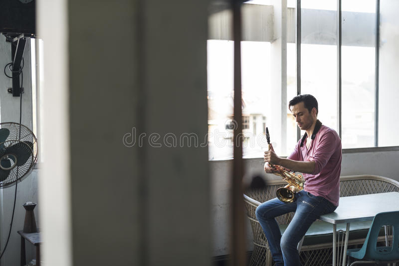 Saxophon-Symphonie-Musiker Jazz Instrument Concept lizenzfreie stockfotos
