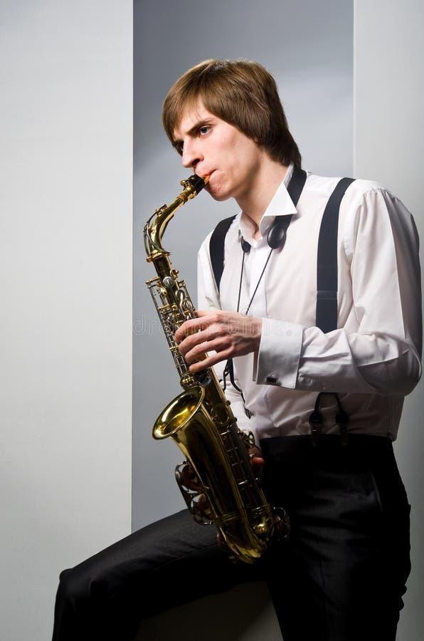 saxophone παιχνιδιού στοκ εικόνες με δικαίωμα ελεύθερης χρήσης